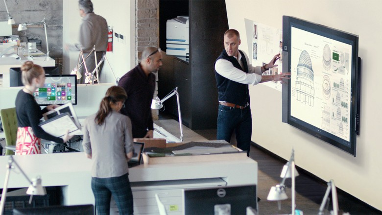 Microsoft begins shipping Surface Hub whiteboard1